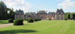 chateau-de-breteuil.jpg