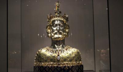 Cliquez sur l'image pour accéder au cours sur Charlemagne